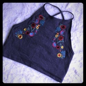 Tops - 🌸 Beautiful embroidered crop top with flowers 🌸